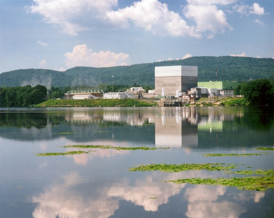 Courtesy_NRC_and_©Entergy_Nuclear--Vermont_Yankee_Nuclear_Power_Plant,_Unit_1